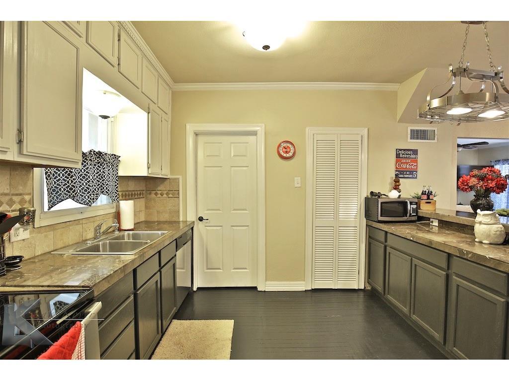 Sold Property | 1741 S 13th Street Abilene, Texas 79602 12