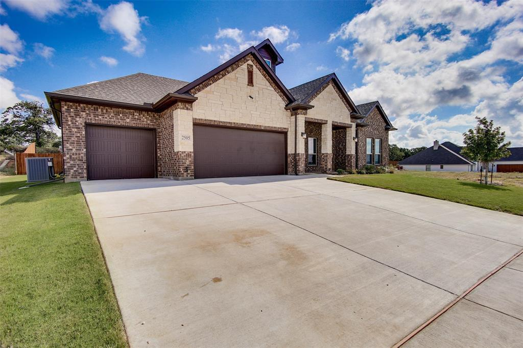 Active | 2505 Bunker Hill Drive Burleson, TX 76028 1