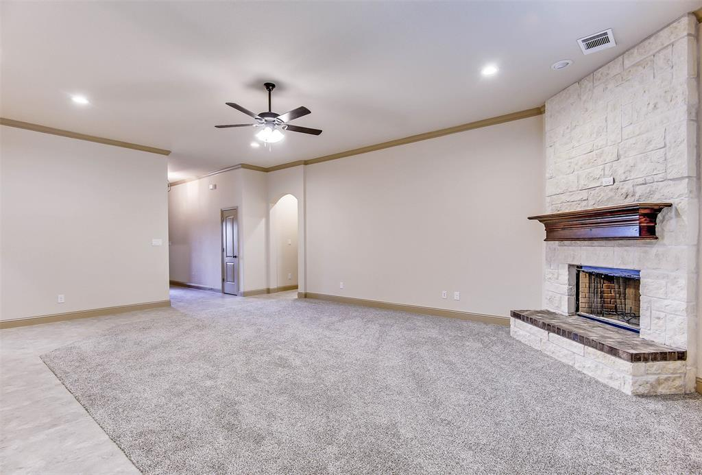 Active | 2505 Bunker Hill Drive Burleson, TX 76028 10