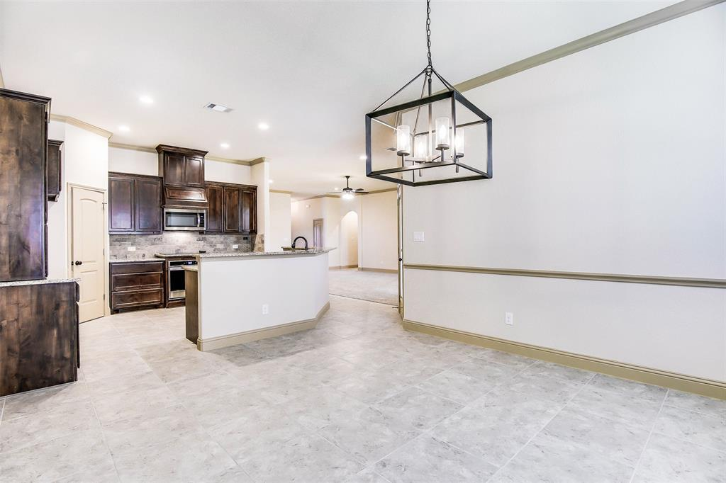 Active | 2505 Bunker Hill Drive Burleson, TX 76028 11