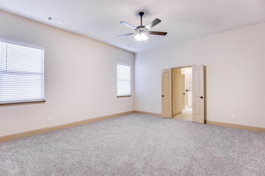 Active | 2505 Bunker Hill Drive Burleson, TX 76028 25