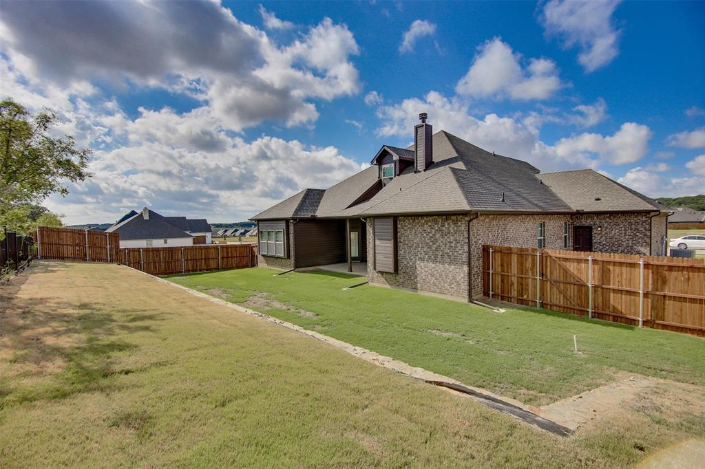 Active | 2505 Bunker Hill Drive Burleson, TX 76028 32