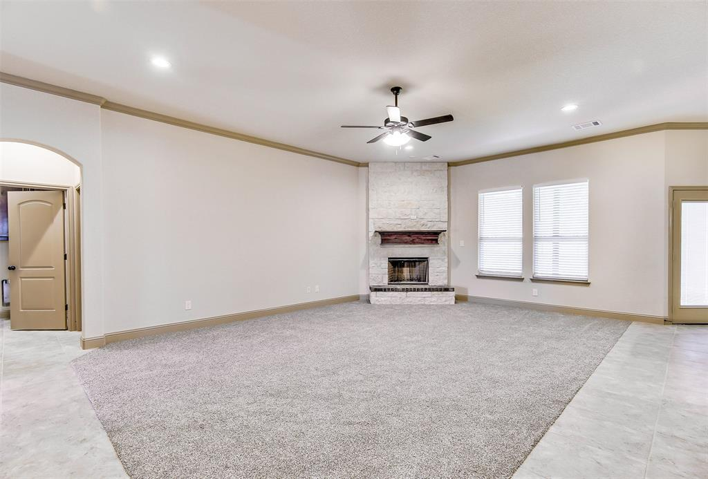 Active | 2505 Bunker Hill Drive Burleson, TX 76028 8