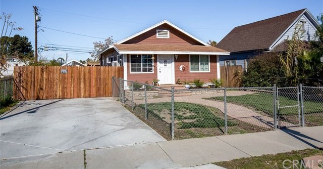 Closed | 216 E 5th Street Perris, CA 92570 3