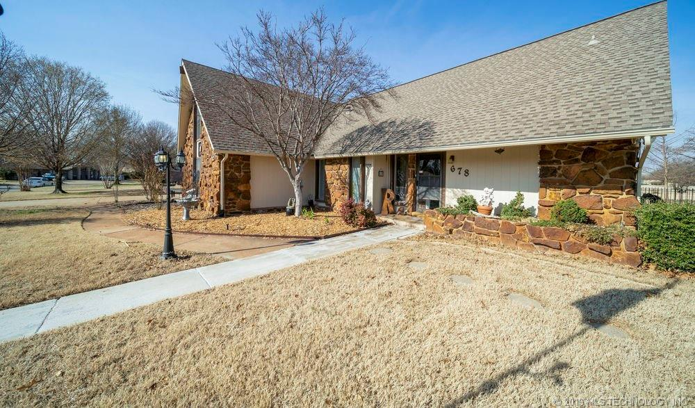 Off Market | 678 Meadowood Drive Broken Arrow, Oklahoma 74011 1