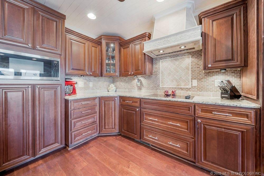 Off Market | 678 Meadowood Drive Broken Arrow, Oklahoma 74011 10