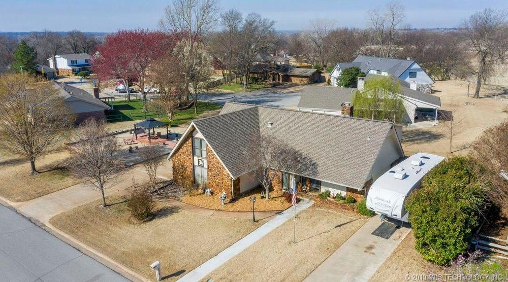 Off Market | 678 Meadowood Drive Broken Arrow, Oklahoma 74011 33