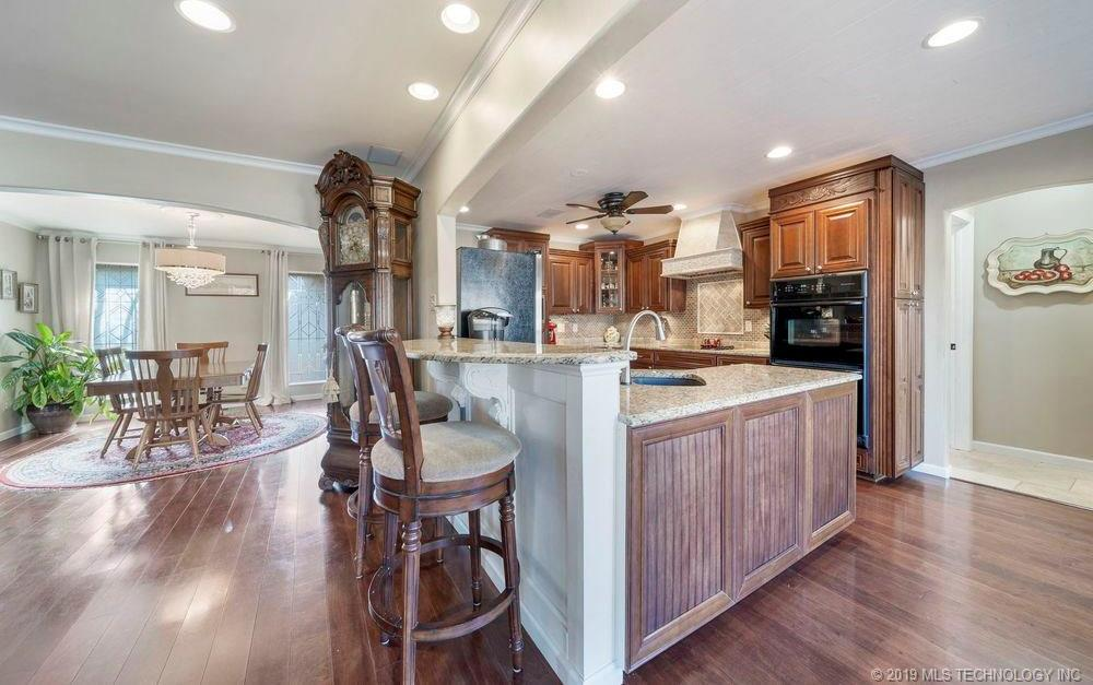 Off Market | 678 Meadowood Drive Broken Arrow, Oklahoma 74011 7