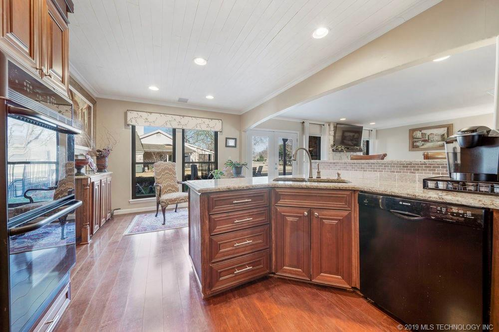 Off Market | 678 Meadowood Drive Broken Arrow, Oklahoma 74011 9