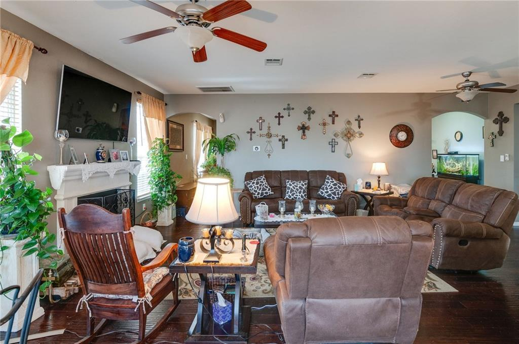 Sold Property | 13540 Leather Strap Drive Fort Worth, Texas 76052 15
