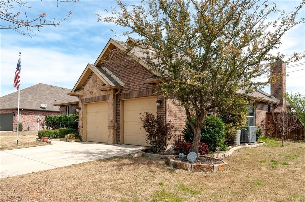 Sold Property | 13540 Leather Strap Drive Fort Worth, Texas 76052 5
