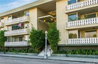 Pending | 103 Ravenna Drive #15 Long Beach, CA 90803 1