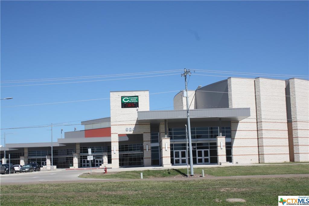 Active | 113 Boulder Ridge Drive Cuero, TX 77954 18
