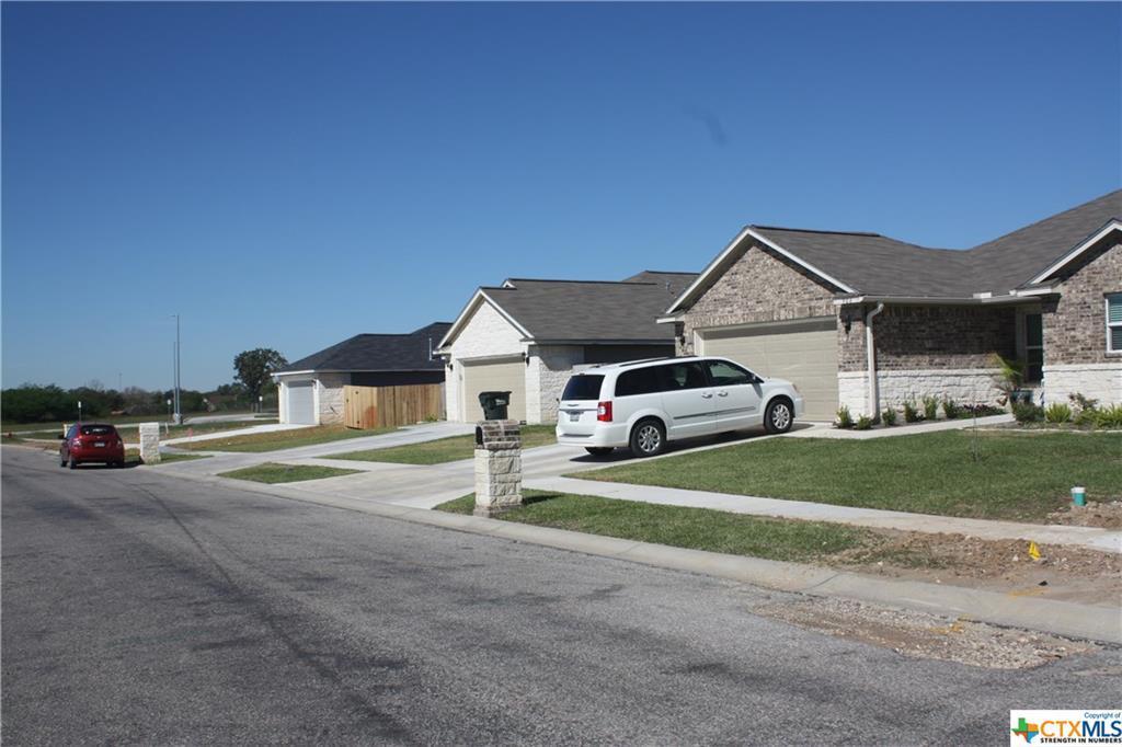 Active   113 Boulder Ridge Drive Cuero, TX 77954 11