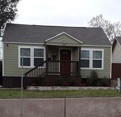 Active | 102 N Hampton  Road Dallas, TX 75208 2