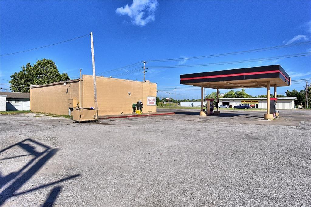 Off Market | 10550 E 11th Street Tulsa, Oklahoma 74128 2