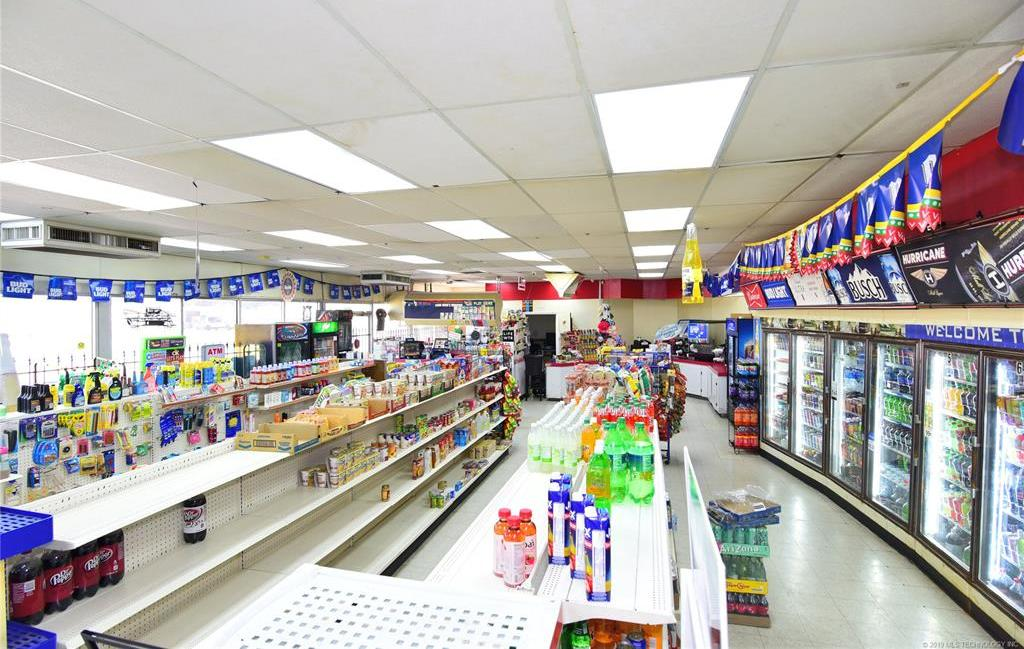 Off Market | 10550 E 11th Street Tulsa, Oklahoma 74128 6