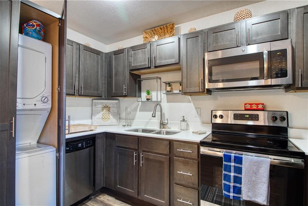 Leased | 3914 Bowser Ave Bowser Avenue #202 Dallas, Texas 75219-____ 5
