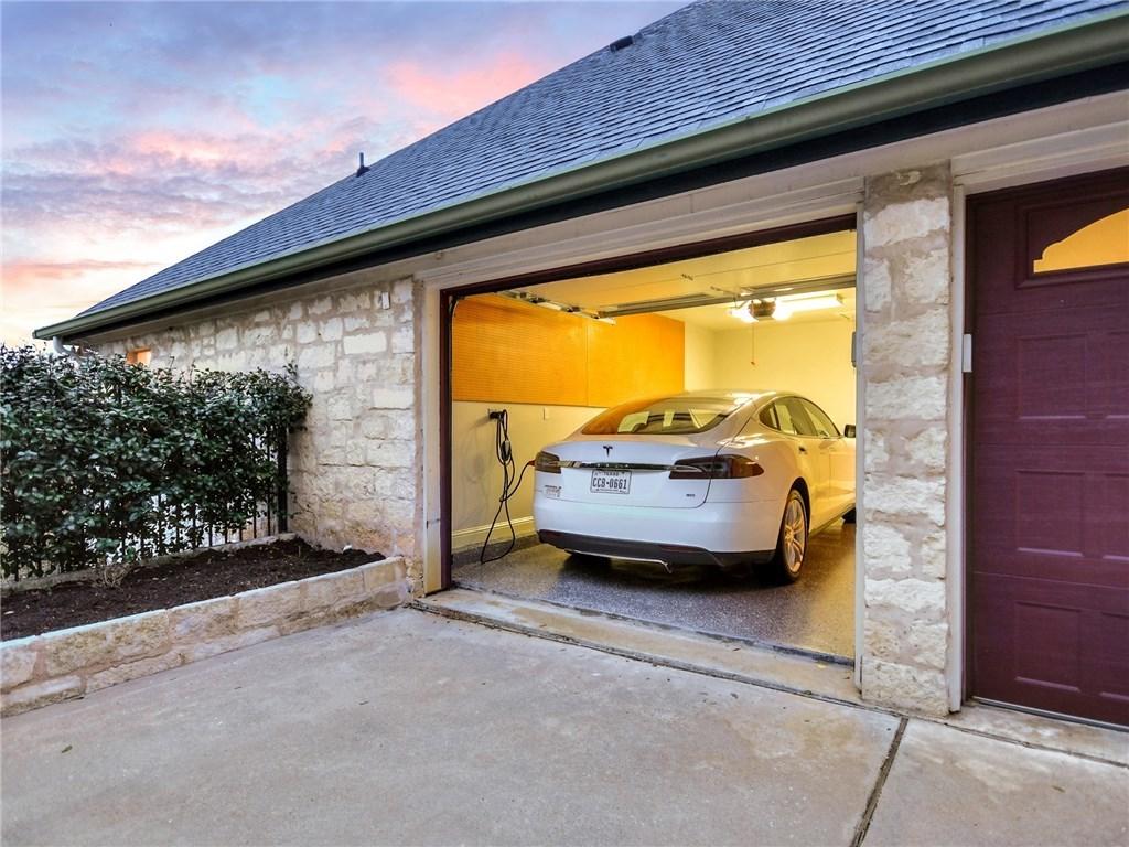 Sold Property   7805 Brightman Lane Austin, TX 78733 24