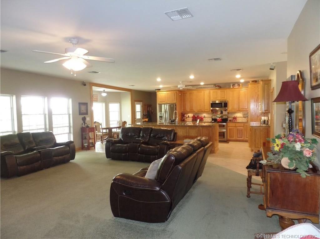 Off Market   367 Chambers Drive McAlester, Oklahoma 74501 10