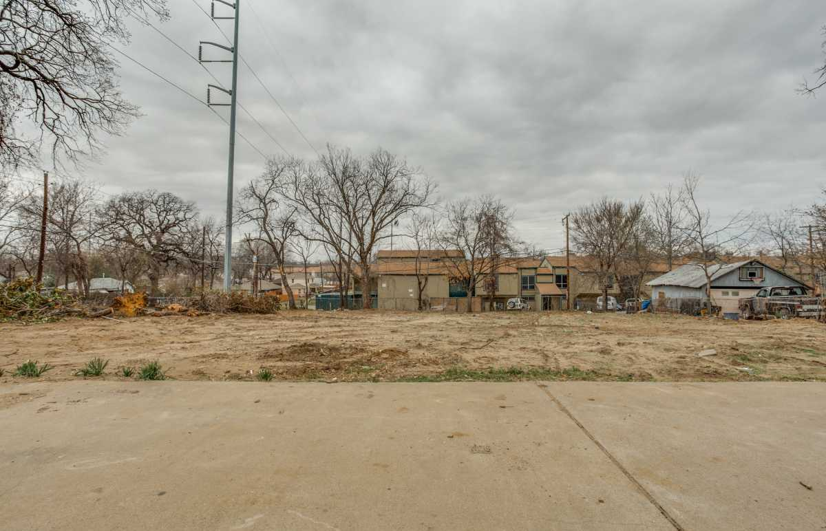 Sold Property | 2401 Hondo Avenue Dallas, Texas 75219 6