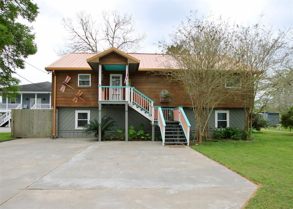 Waterfront, fishing, riverfront, beach home, dock, boating | 2010 County Road 243  Bay City, Texas 77414 15