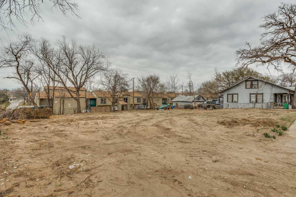 Sold Property | 2407 Hondo Avenue Dallas, Texas 75219 5