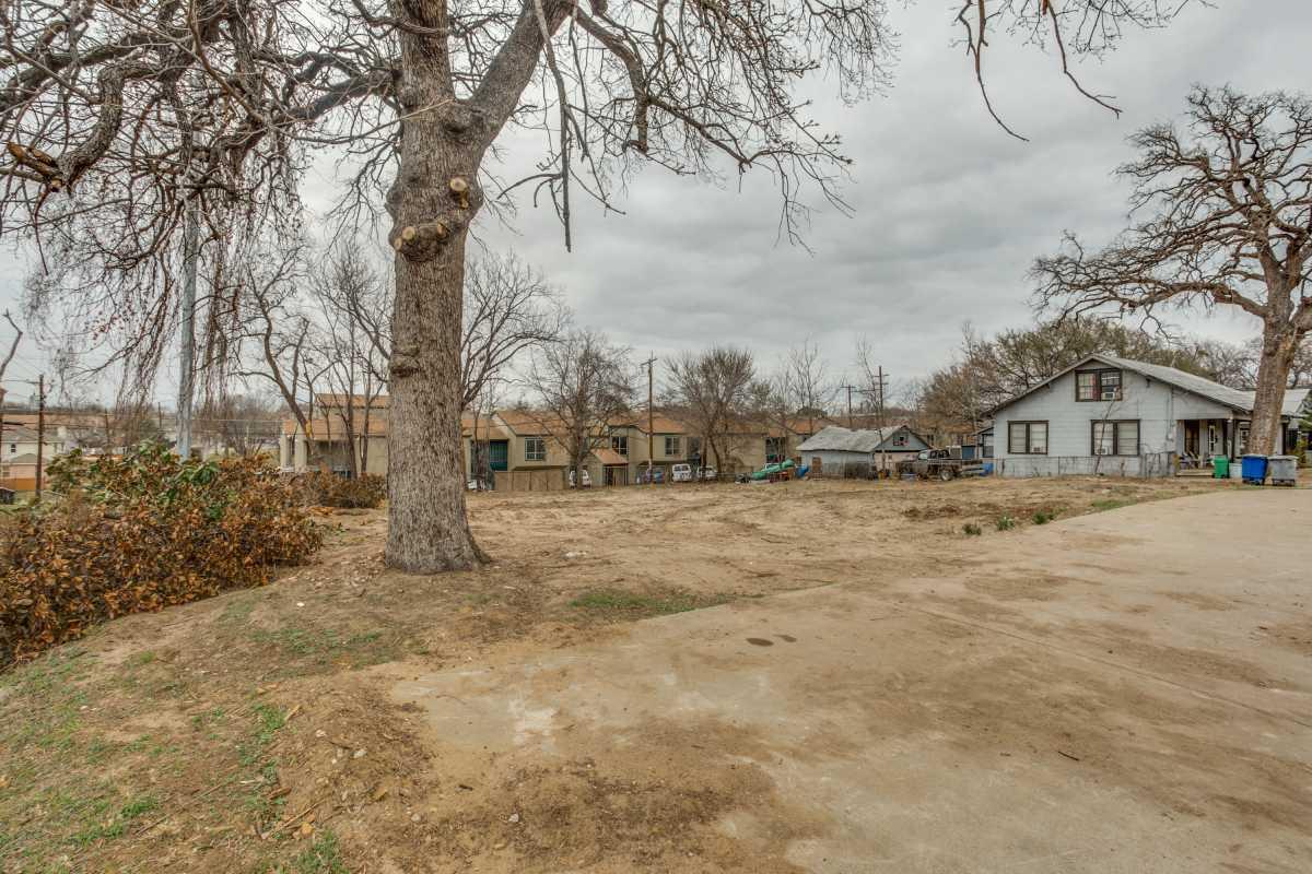 Sold Property | 2407 Hondo Avenue Dallas, Texas 75219 3