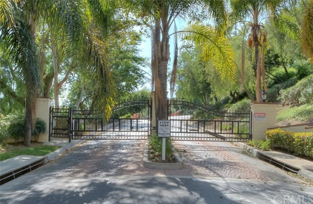 Closed | 1722 La Mancha Pomona, CA 91768 1