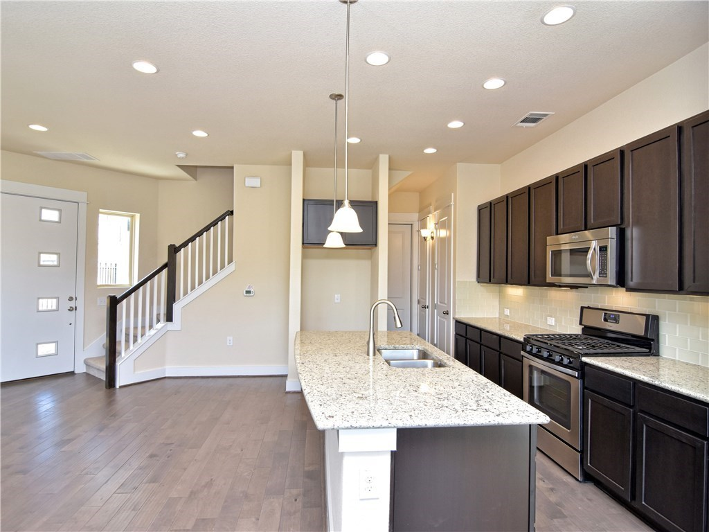 Leased | 9303 Cardinals Nest  LN Austin, TX 78729 7
