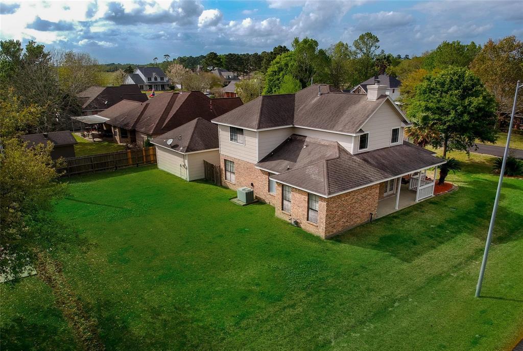 Homes For Sale In Mont Belvieu | 3814 W Pin Oak Drive Mont Belvieu, Texas 77523 7