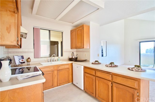 Closed | 32200 Cathedral Canyon Drive #104 Cathedral City, CA 92234 5
