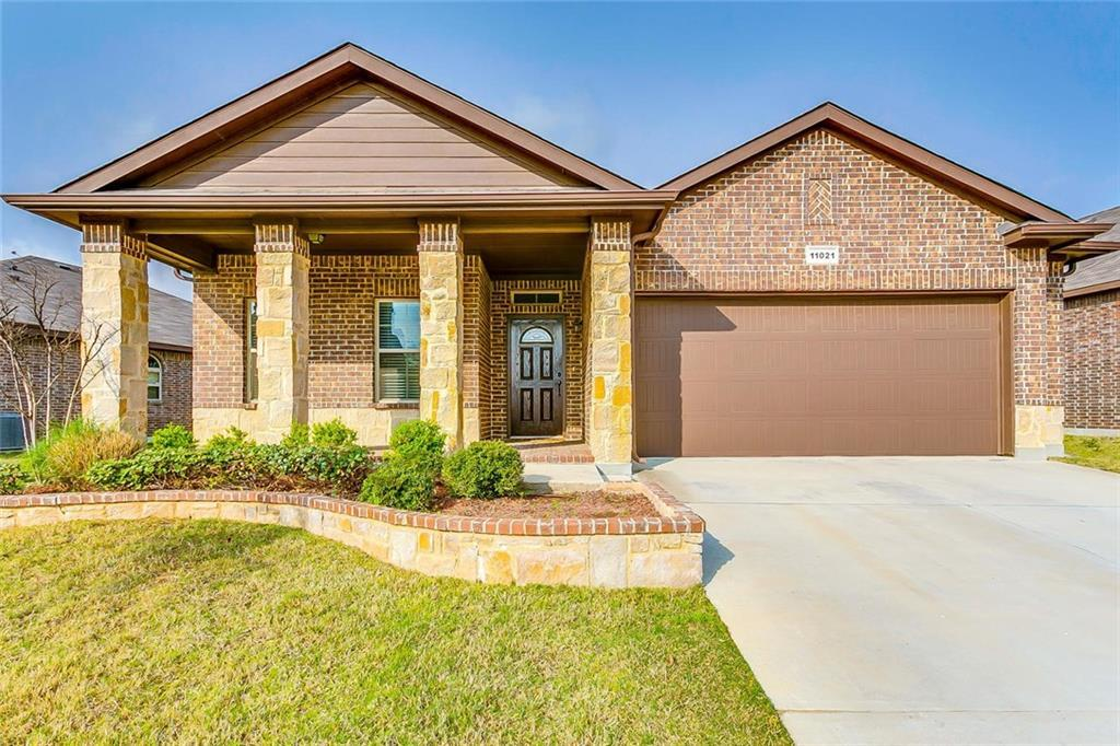 Sold Property | 11021 Erinmoor Trail Fort Worth, Texas 76052 2