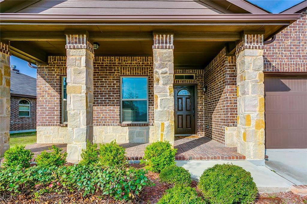 Sold Property | 11021 Erinmoor Trail Fort Worth, Texas 76052 3
