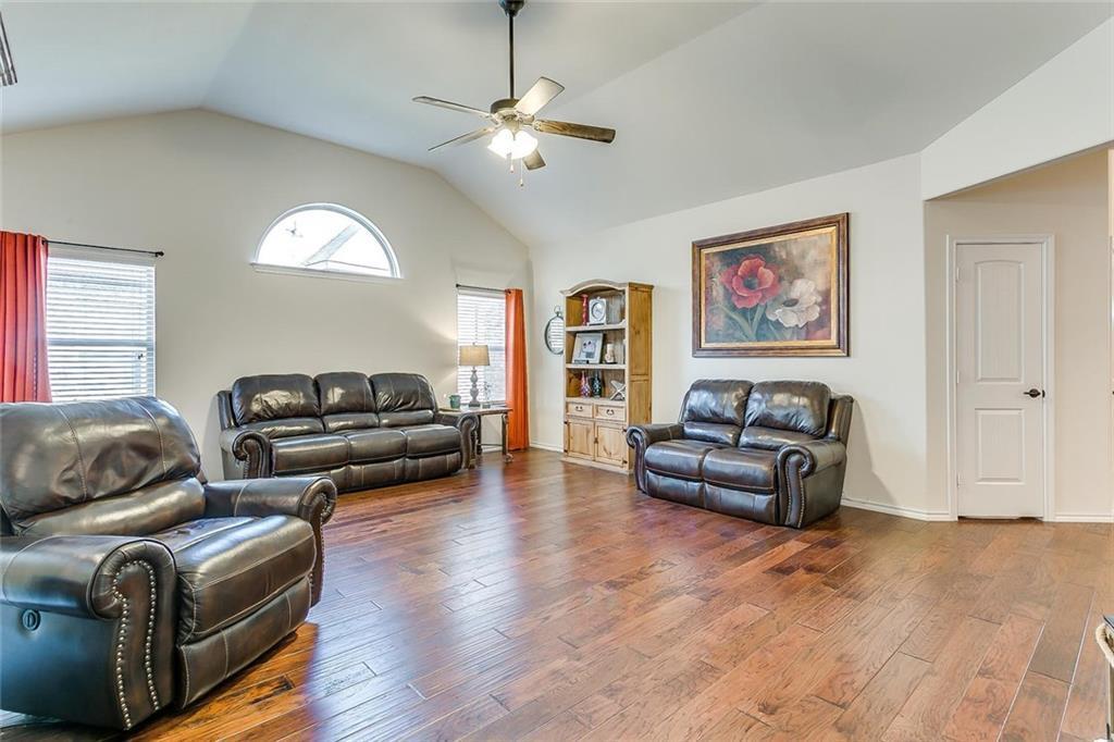 Sold Property | 11021 Erinmoor Trail Fort Worth, Texas 76052 5