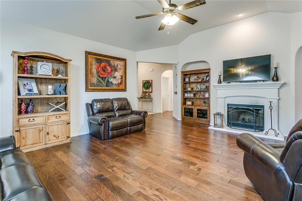 Sold Property | 11021 Erinmoor Trail Fort Worth, Texas 76052 6