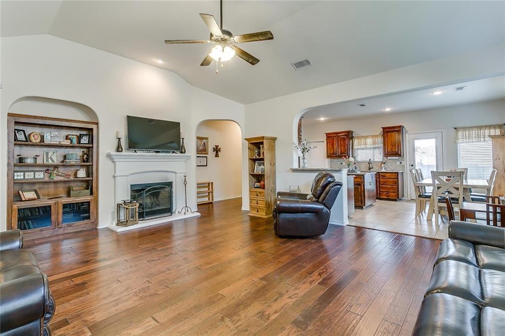 Sold Property | 11021 Erinmoor Trail Fort Worth, Texas 76052 7