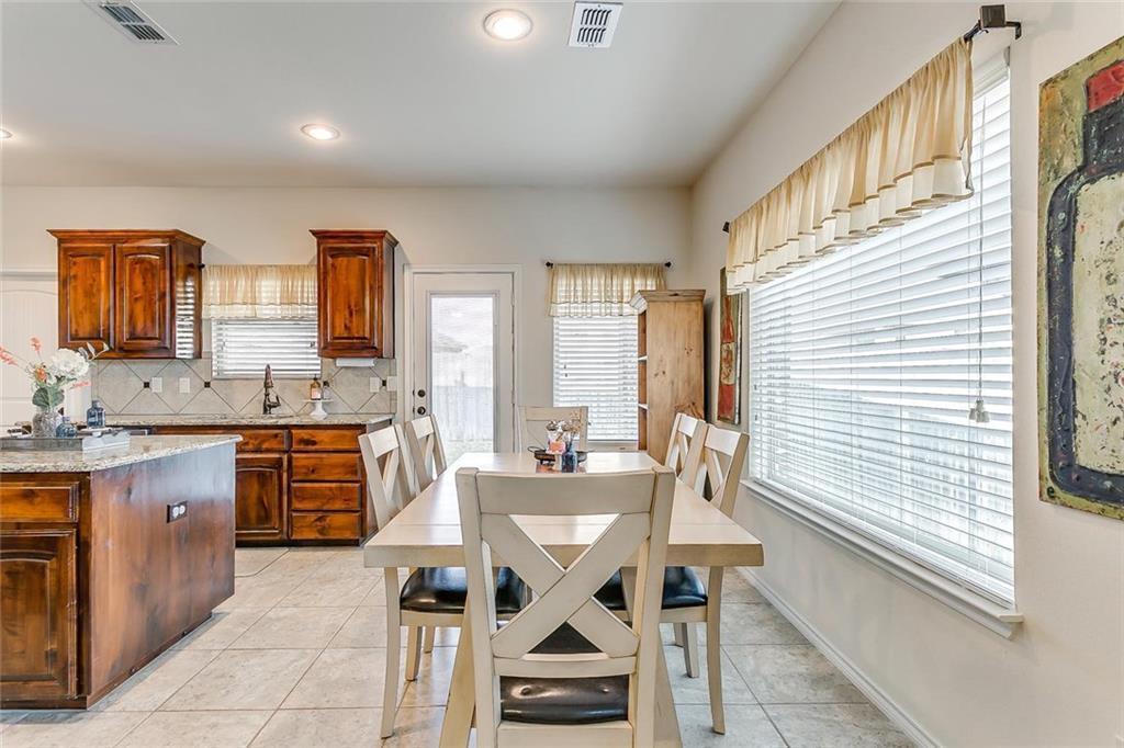 Sold Property | 11021 Erinmoor Trail Fort Worth, Texas 76052 8