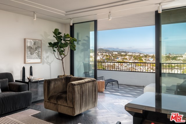 Active | 1100 ALTA LOMA Road #1404 West Hollywood, CA 90069 5