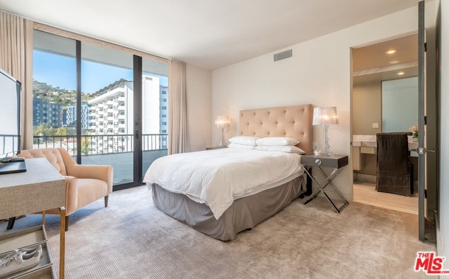 Active | 1100 ALTA LOMA Road #1404 West Hollywood, CA 90069 15