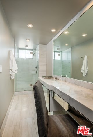 Active | 1100 ALTA LOMA Road #1404 West Hollywood, CA 90069 16