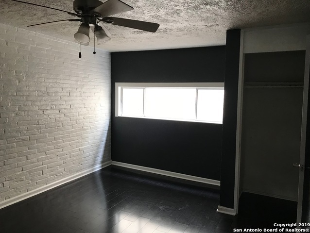 Property for Rent   408 IRA AVE  San Antonio, TX 78209 8