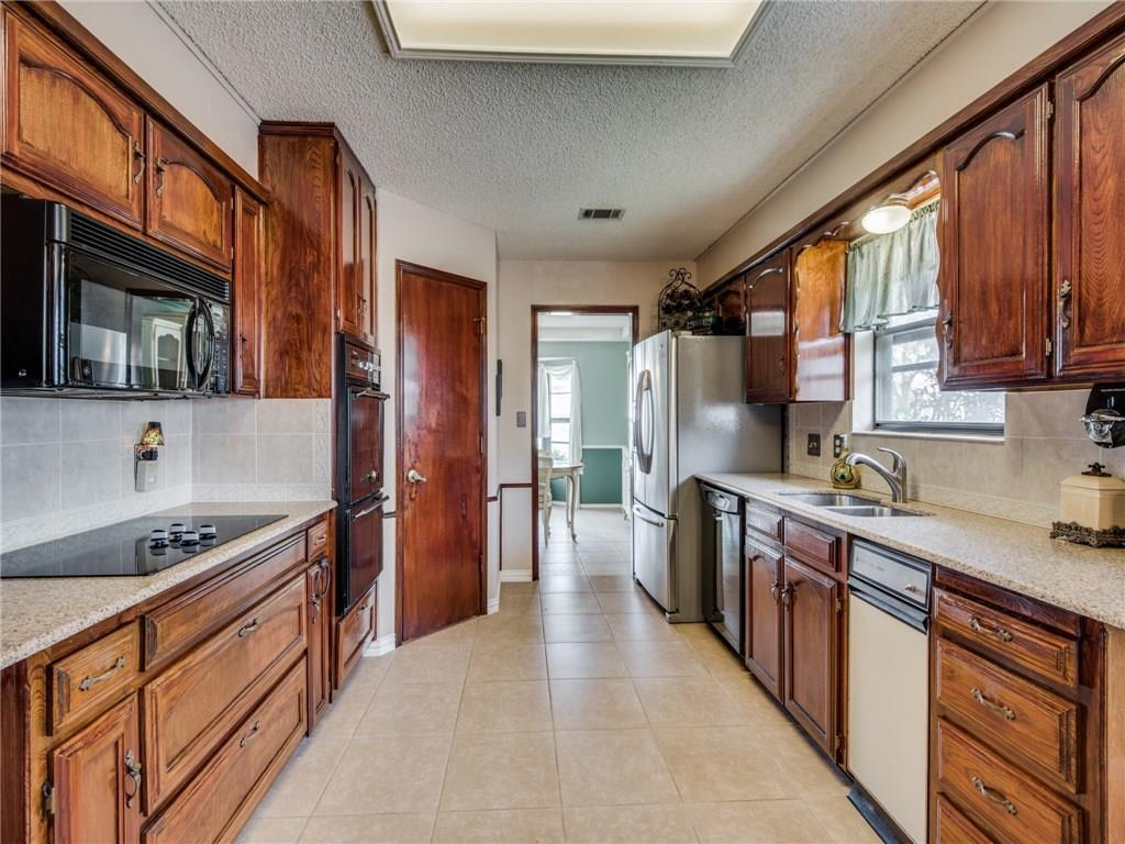 Sold Property   15 Crestwood Drive Trophy Club, Texas 76262 15