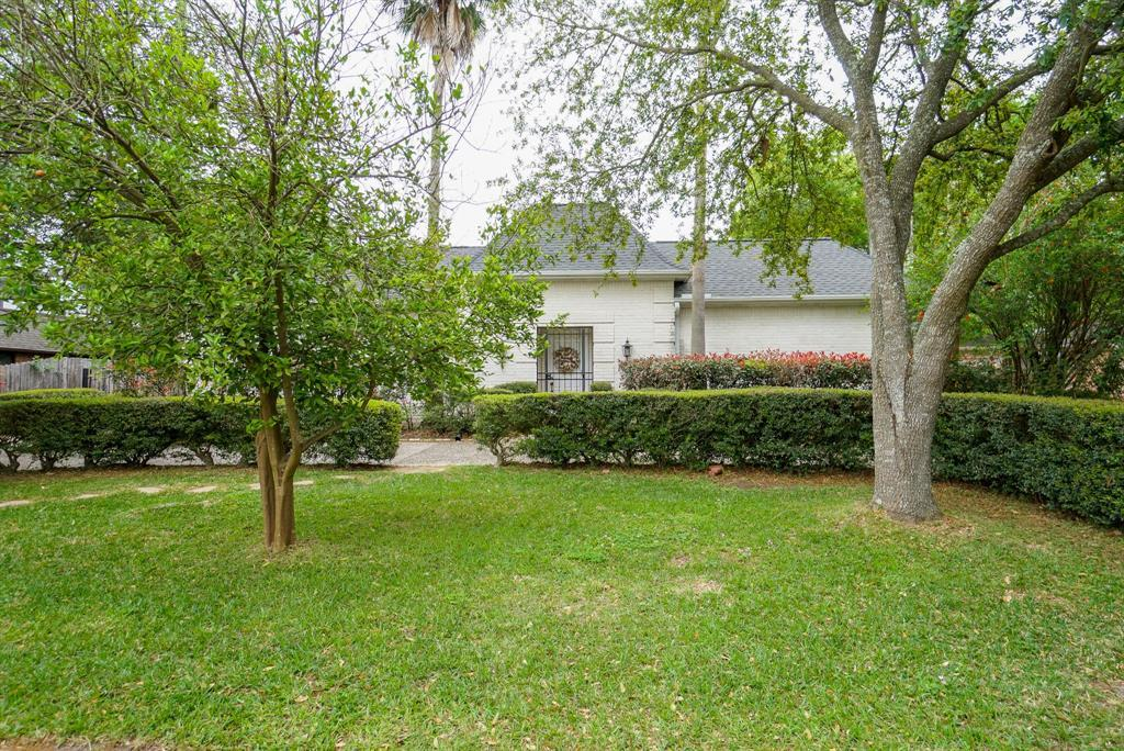 OPEN HOUSE, SPRING SHADOWS, HOUSTON HOUSE HUNTING, SPRING BRANCH | 2926 Manila Lane Houston, Texas 77043 1