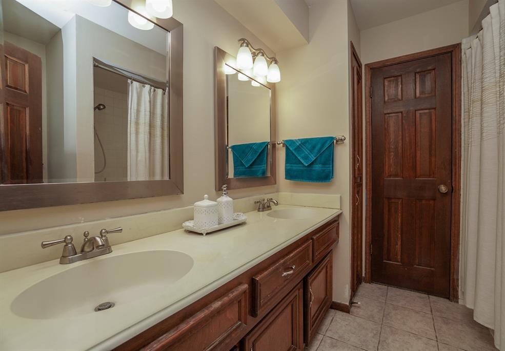 OPEN HOUSE, SPRING SHADOWS, HOUSTON HOUSE HUNTING, SPRING BRANCH | 2926 Manila Lane Houston, Texas 77043 30