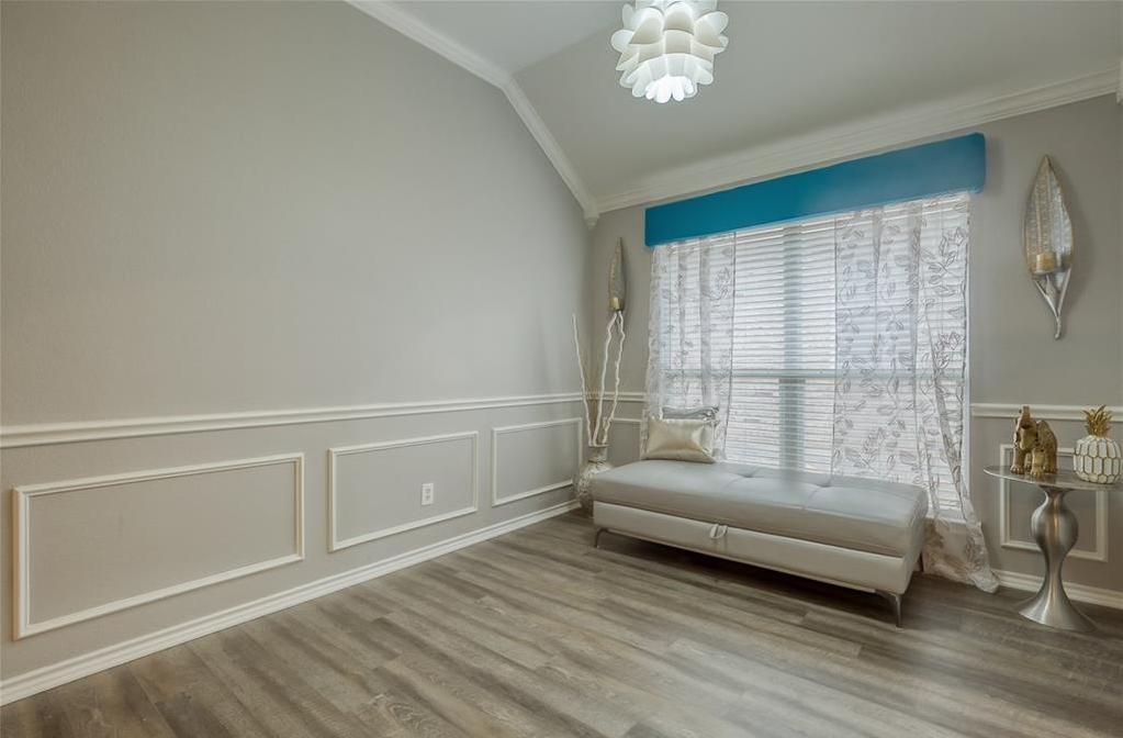 Sold Property | 5807 Lorenzo Drive Grand Prairie, Texas 75052 4