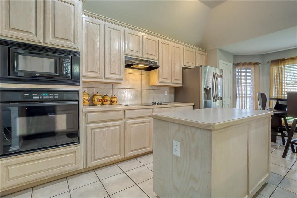 Sold Property | 5807 Lorenzo Drive Grand Prairie, Texas 75052 7