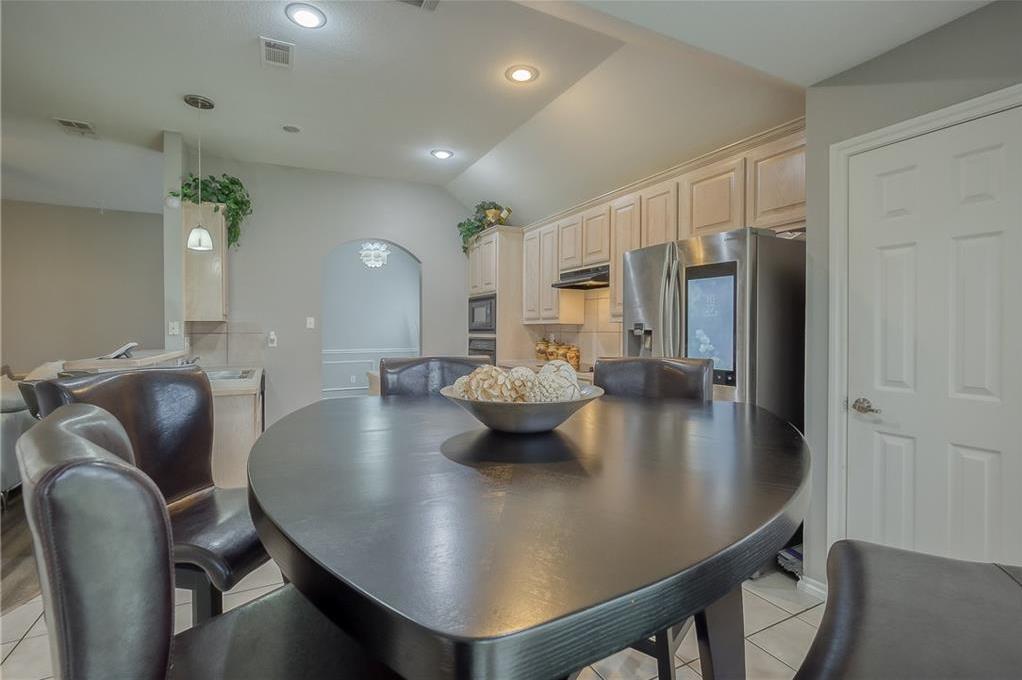 Sold Property | 5807 Lorenzo Drive Grand Prairie, Texas 75052 10