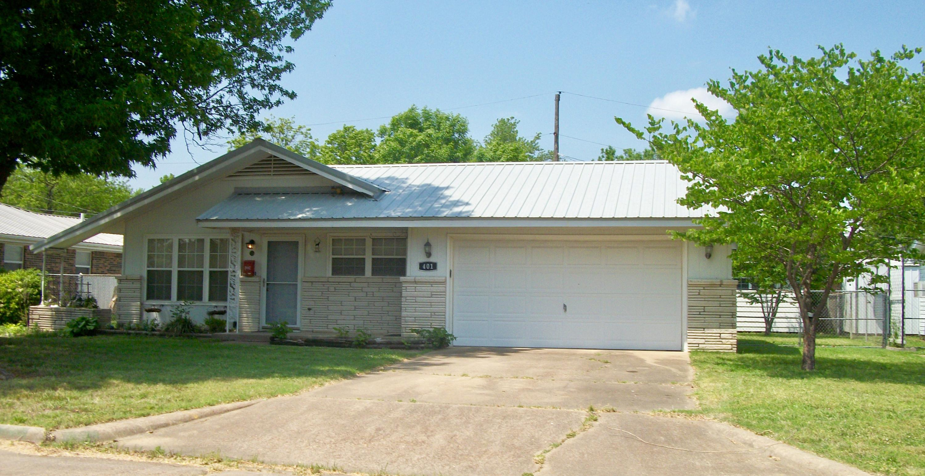 Off Market | 401 12th Place Miami, OK 74354 0
