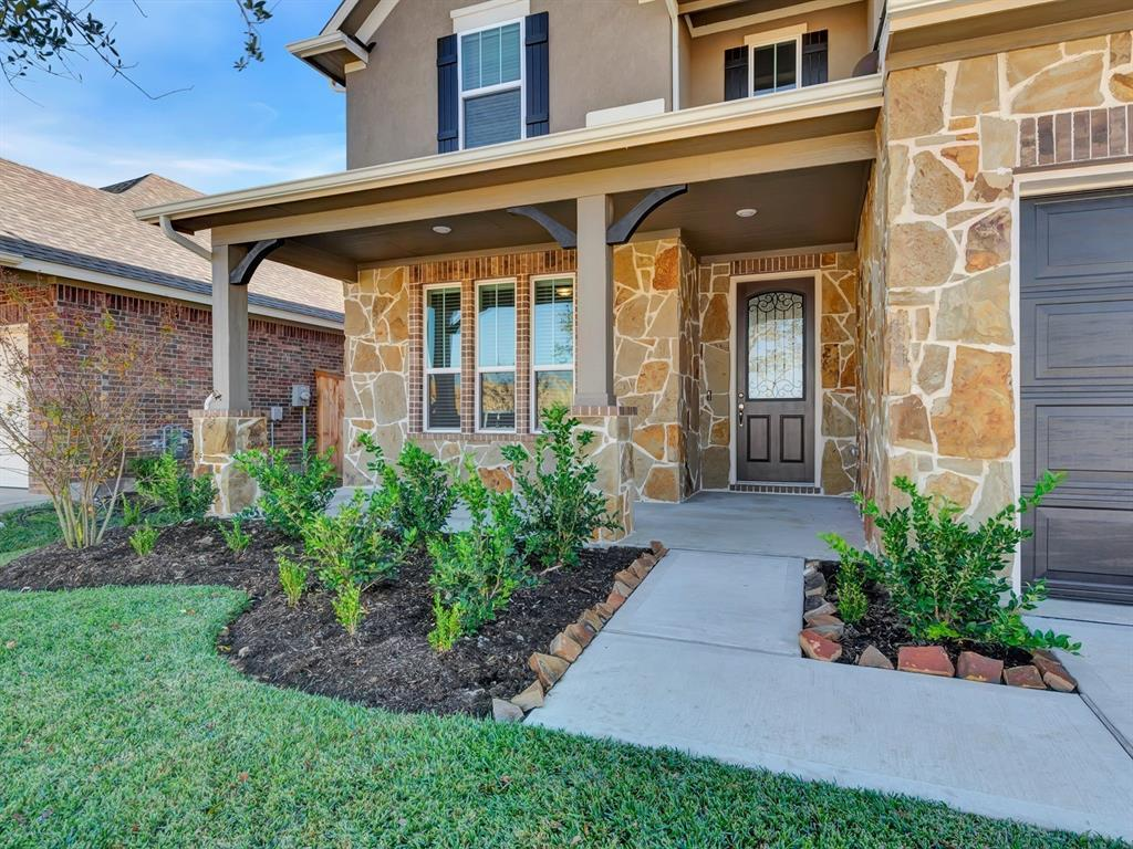Active | 19835 Mountain Vista Drive Cypress, TX 77433 1